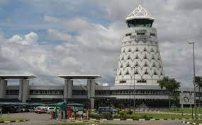 Condemned Chinese company hired to fix Zim's troubled aviation